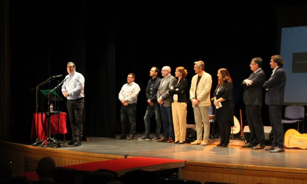 Josep Lluís Roig guanya en els premis Teodor Llorente la modalitat de novel·la negra, amb «Promeses que no podrem complir»